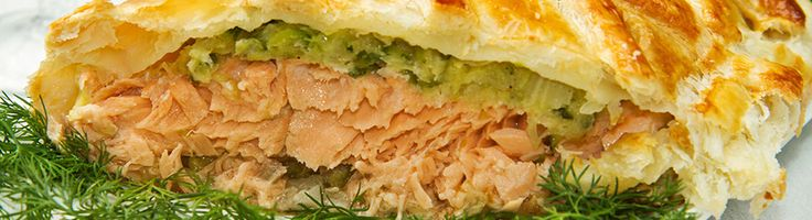 Salmon in puff pastry with spinach