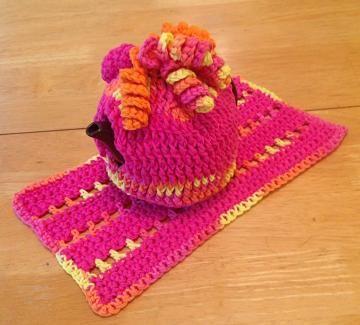 Tea for 2? #Teacozy, doily, tea cozy set, crochet tea cozy, pink tea set by #OnceUponARoll for $20.00 #TeamZibbet
