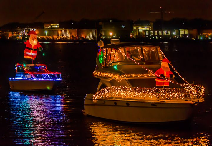 The holidays are Alexandria, Va.'s most magical season, packed full of festive events. See our top 10 things to do this holiday season in Alexandria!