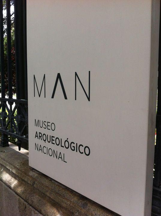 """Y """"a tiro de piedra"""" (prehistórica o no) está también el Museo Arqueológico Nacional. ¿Lo has visitado ya tras su reapertura? / MNAD"""