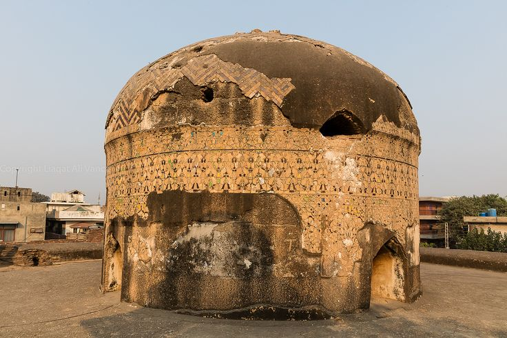 https://flic.kr/p/PfpSeh | 0W6A8781 | DOME  OF TOMB OF DAYE ANGA  GRAND TRUNK ROAD LAHORE PUNJAB PAKISTAN