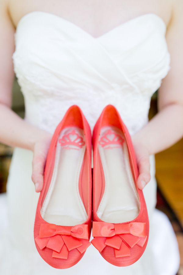 Coral bow heels | Photo by:  feels like today photography