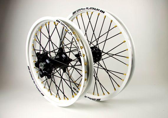 SM Pro Wheels - Black and White.