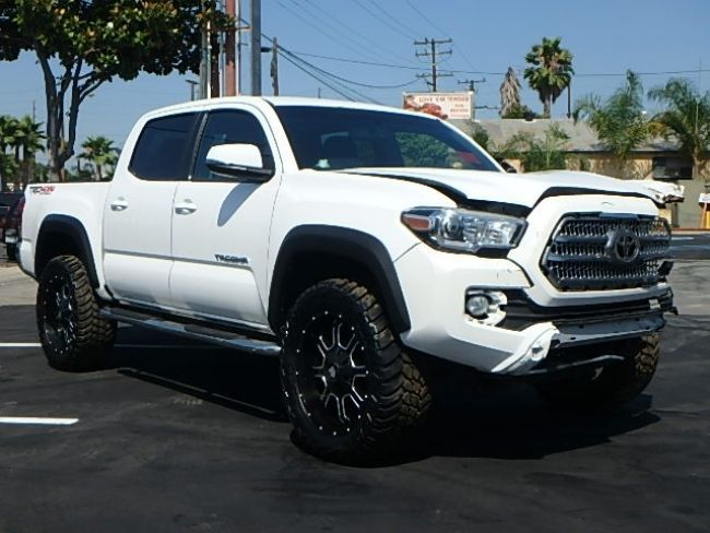 2016 Toyota Tacoma 4WD Double Cab V6 2016 Toyota Tacoma Double Cab V6 4WD Damaged Salvage Rebuilder Loaded w Options!