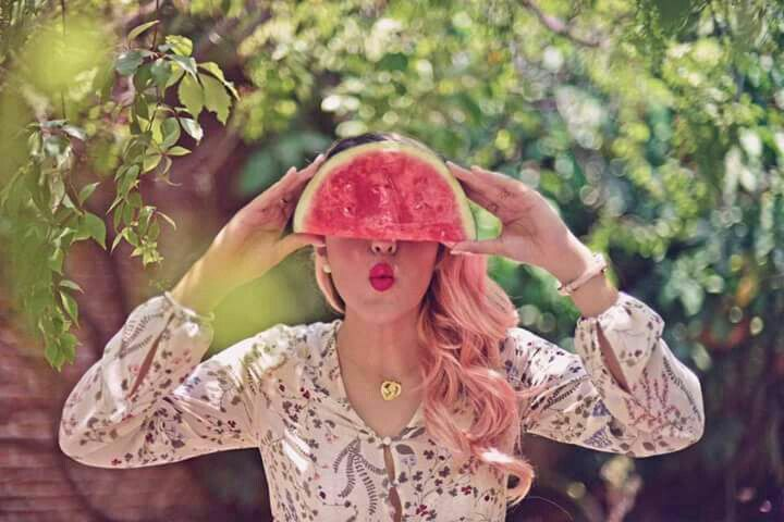 #lospolinesios leslie polinesia   labios de sandia guau