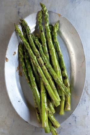 Easy Oven-Roasted or Grilled Asparagus Are Perfect for a Low-Carber