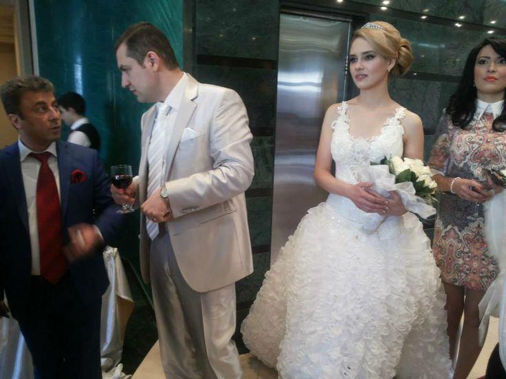 ԱԺ պատգամավոր՝ Տ. Ուրիխանյանի հարսանյաց լուսանկարներից   Tesaket.am