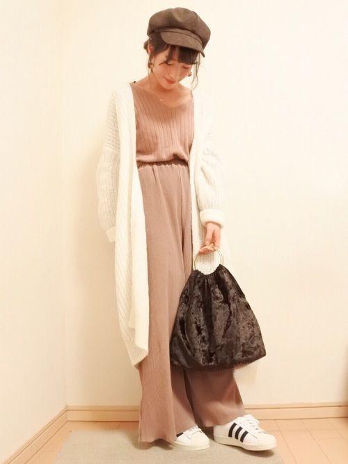 ピンク×ブラウン×白 好きな色だけで合わせました😳 ロングカーディガンは大きめサイズやけど、 ゆ