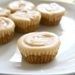 Mini Peanut Butter Cheesecakes - i like all of those words