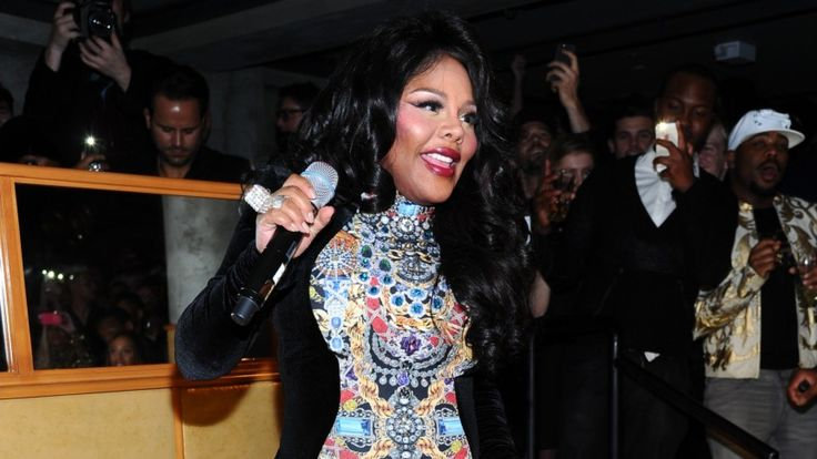 Lil Kim Woke Up Like Diss, Takes Shots At Nicki Minaj On Remix To Beyonce's 'Flawless' - MTV