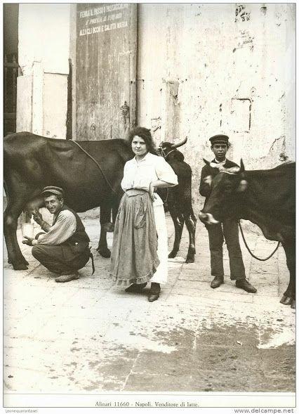 """""""O lattaro"""" , il lattaio. Napoli"""