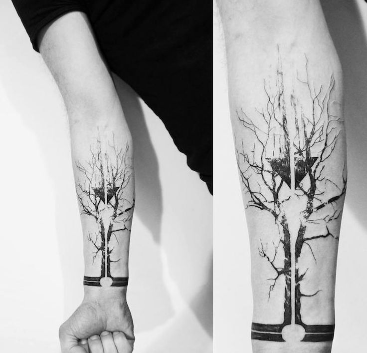 tatouage-arbre-dénudé-silhouete-noir-blanc-avant-bras-homme