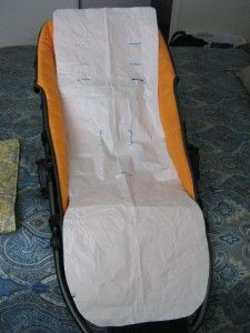 Step by step tutorial on sewing a basic stroller seat liner.  Tweak it to fit whatever stroller you use.