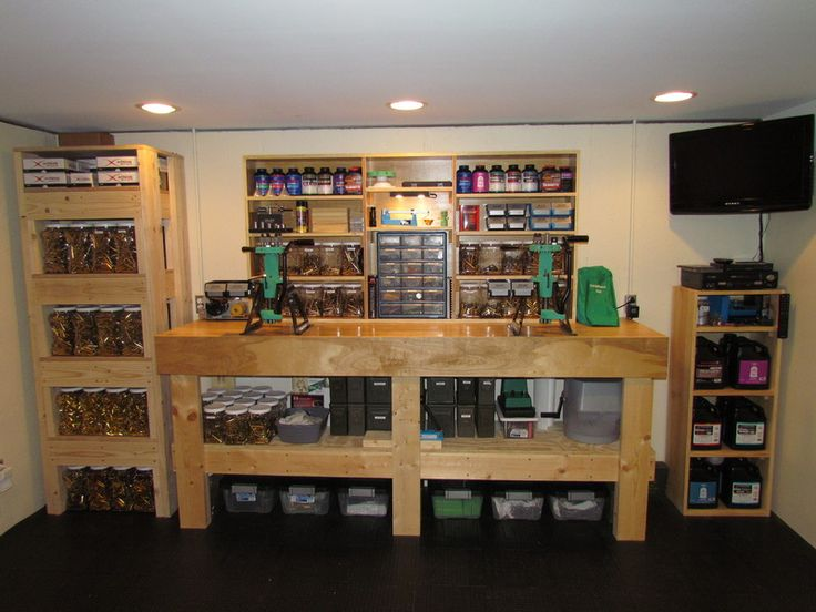 My Reloading Bench | AfricaHunting.com |Rifle Bullet Reloading Table