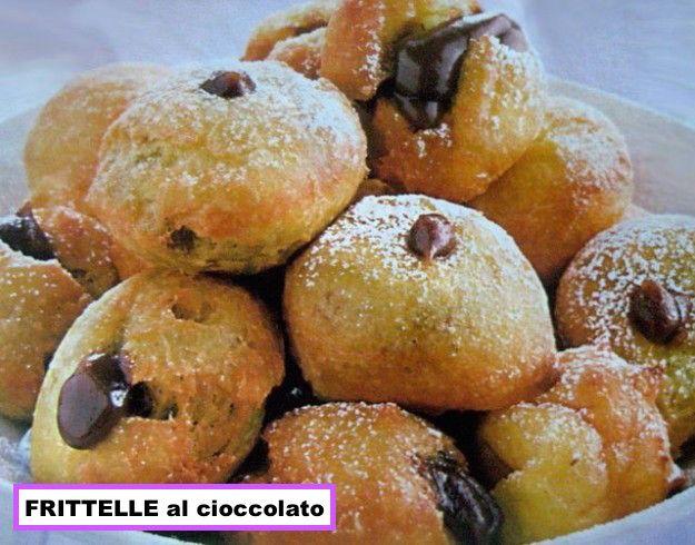 FRITTELLE di Cioccolato Piemonte - Uno fra i tanti dolci tradizionali italiani preparati durante il CARNEVALE - One of the many traditional Italian desserts prepared during CARNIVAL