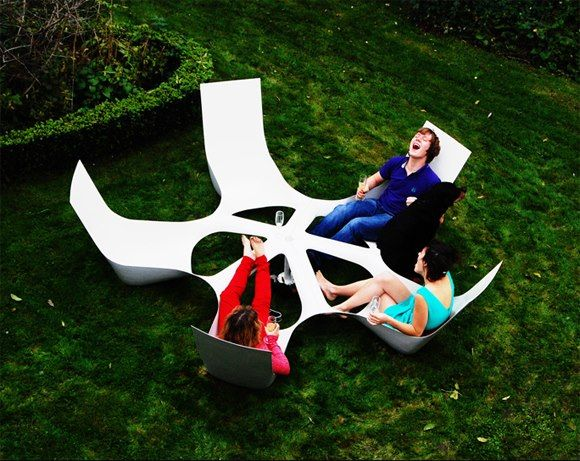Bottlebench a social furniture project by Maarten Pauwelyn