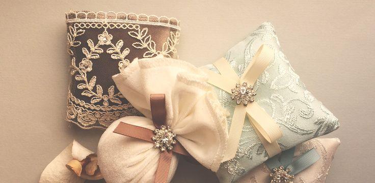 Kozmetika iz online shopa nudi izmor mirisnih vrećica. Svaka vrećica sadrži aromatske mirise koji traju i do 3 mjeseca.