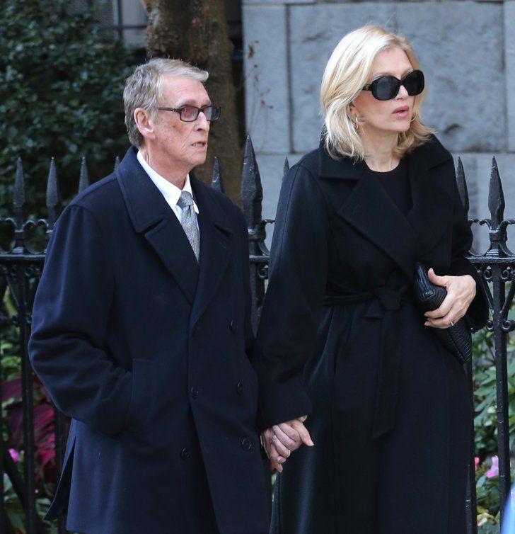 Pin for Later: Le Monde de la Mode Rend ses Derniers Hommages à Oscar de la Renta Diane Sawyer aux Funérailles de Oscar de la Renta