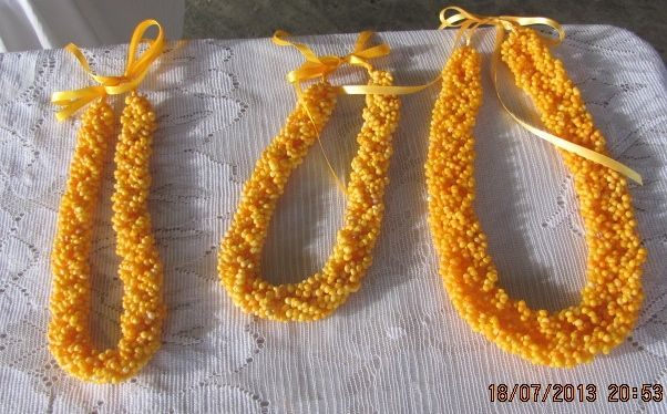 Niue's famous yellow shells (hihi ago) made into such beautiful necklaces. (photo by T.Mokoia)