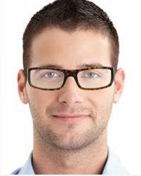 Quien prefiere las monturas grandes acierta con Saiph. Es un moderno modelo de gafas de marco completo, con un diseño robusto de marco grande, sin serlo demasiado. Esto es un punto a favor que saben apreciar hombres y mujeres de igual modo.