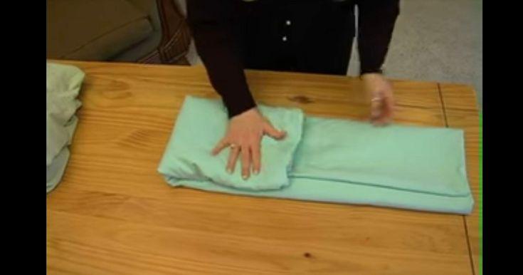 comment plier un drap housse en moins d une minute trucs. Black Bedroom Furniture Sets. Home Design Ideas