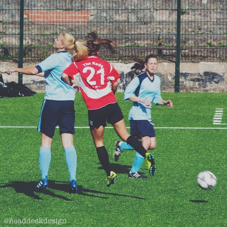 Had a blast yesterday being 'official photographer' at Redditch United Ladies second home game of the season! Well done to the ladies who drew 1-1 against Coventry. . . . #redditchunited #redditch #womensfootball #thisgirlkicks #bromsgrove #internationalfootballer #football #redditchfc #redditchladies #internship #canon #intern #canonphoto #canonphotography #graphicdesignintern #photography #sportsphotography #photographer #lifeofadesigner #lifeofaphotographer #coventry #coventryladies…