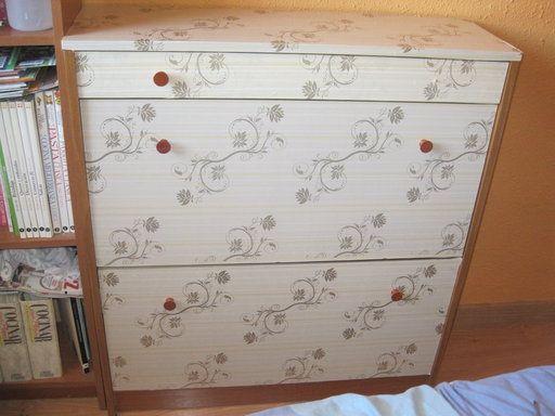 #Idea #diy para forrar muebles con papel pintado #adhesivo #DDecoArt  | Hacer bricolaje es facilisimo.com
