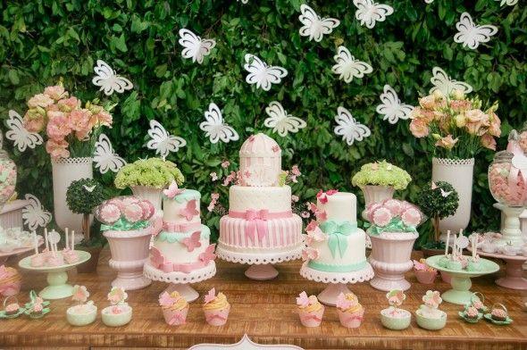enfeites para festa infantil tema jardim : enfeites para festa infantil tema jardim:Aniversário de 1 ano e batizado com o tema Jardim das Borboletas! #