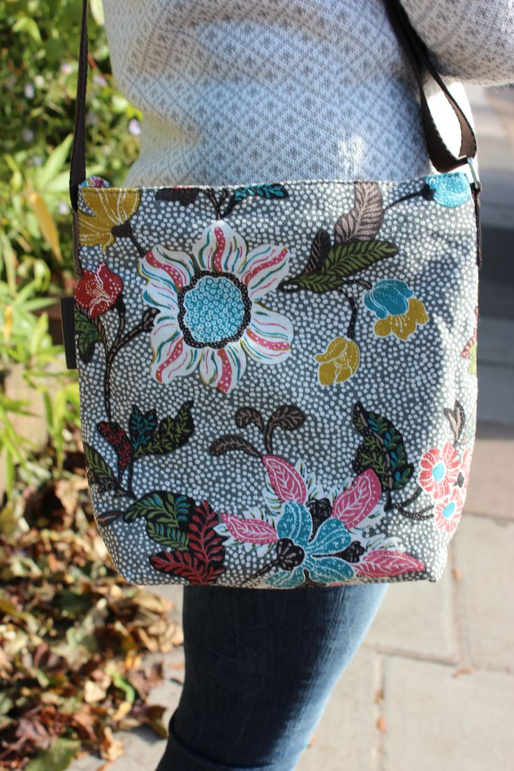 Grey Flower Linen Shoulder Bag 82