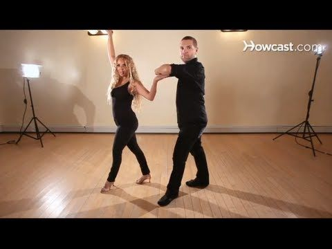 How to Dance Salsa: Salsa Steps / Right Turn