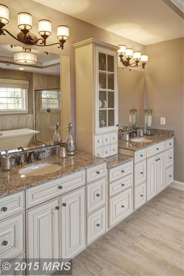 Best Master Bath Cabinets Lots Of Storage Including Tower 400 x 300