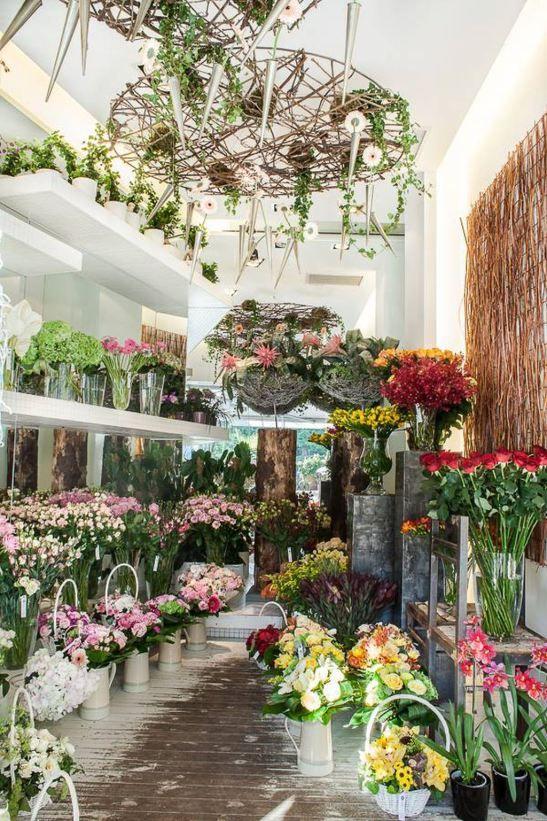 Iris flowershop in Bucharest. Interior design: architect Mariana Bercu, florist Nicu Bocancea <3