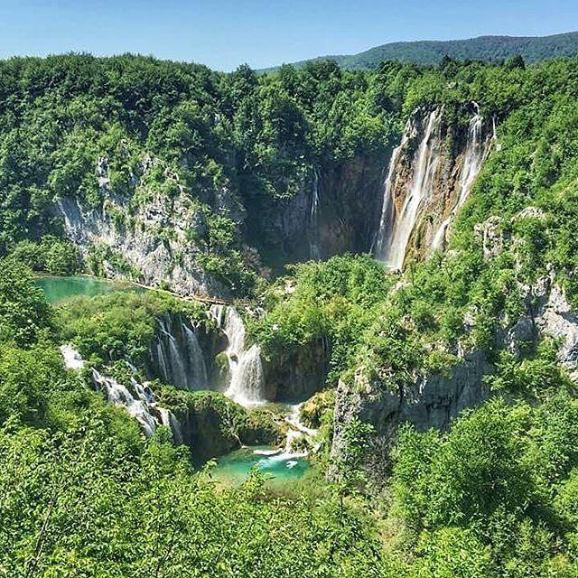 #CroatiaFullOfParadises by @2monkeystravel  #Croatia #ParkoviHrvatske #PlitviceLakes #PlitvičkaJezera #Plitvice #Eden #Paradise #ParksOfCroatia #Summer #50ShadesOfGreen #Waterfalls #CroatiaFullOfLife #Europe #Eurotrip #Iconosquare #OutOfOffice #Forest #IgNature #NatureLovers by croatiafulloflife