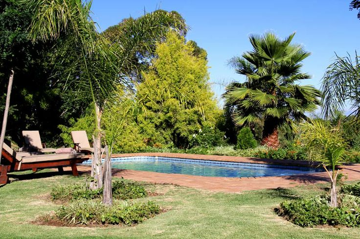 In colder weather, it's still warm and wonderful in #Oudtshoorn. Come and dip your feet in the pool. Star gazing is also recommended. #inland #warm #winter #mooiplaas