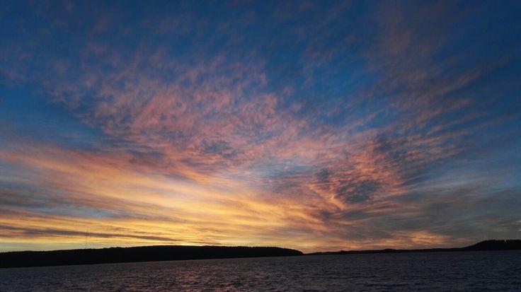 #omaisapu #luontokuva #järvi #auringonlasku syyskuu #lake #sun set #nature
