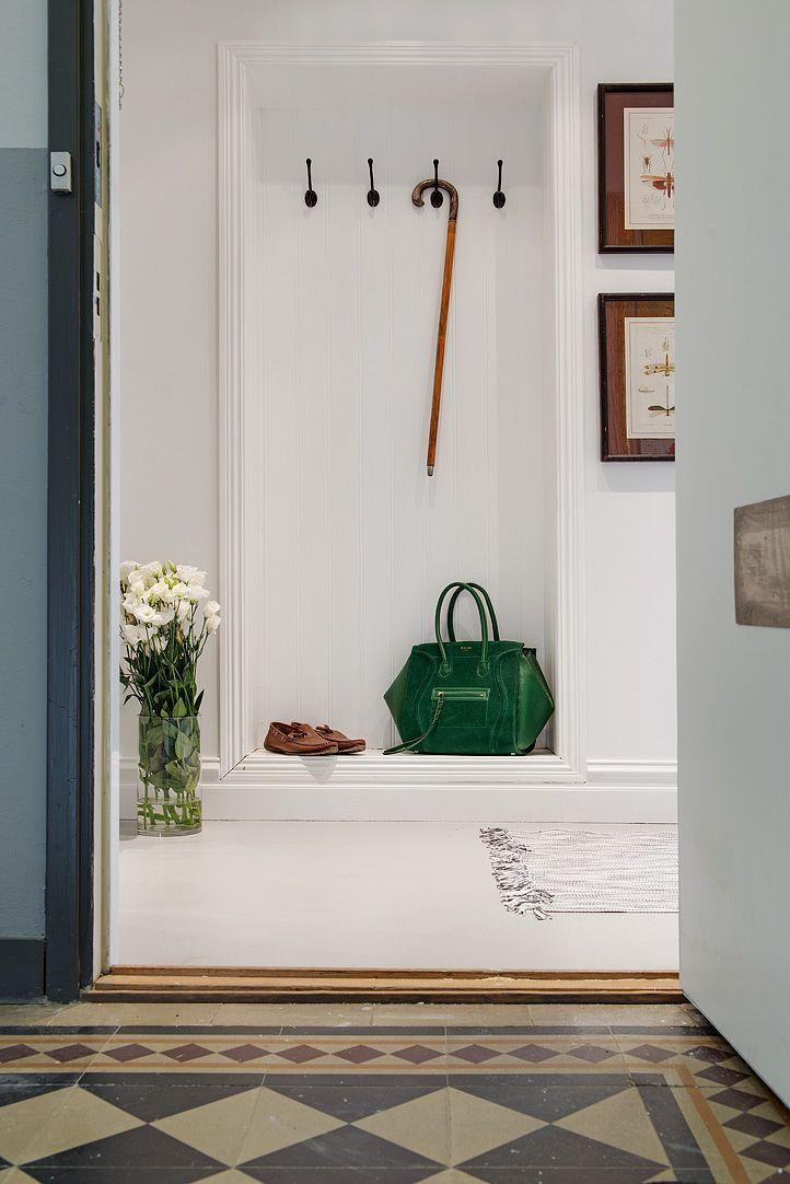 Wat een prachtig interieur in dit appartement. Scandinavisch design. Meer wooninspiratie op mijn interieurblog http://www.interieurinspiratie.nl/