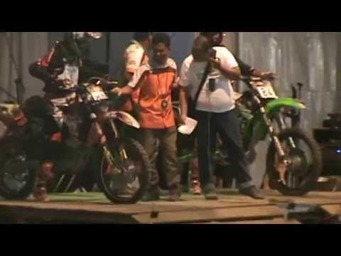Video Balap Motor Trial Free For All Kemenangan Telak Duel Ari Kwek