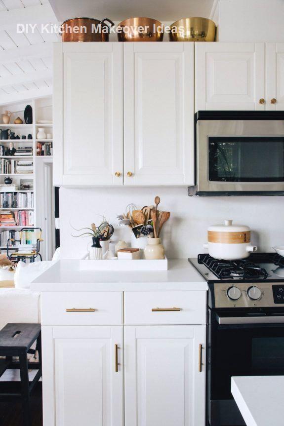 Kitchen Makeover IDeas On A Budget DIY Kitchen Ideas #Kitchenmakeover  #Diykitchen