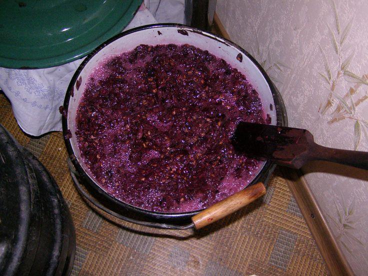 Как самим сделать вино. Брожение мезги