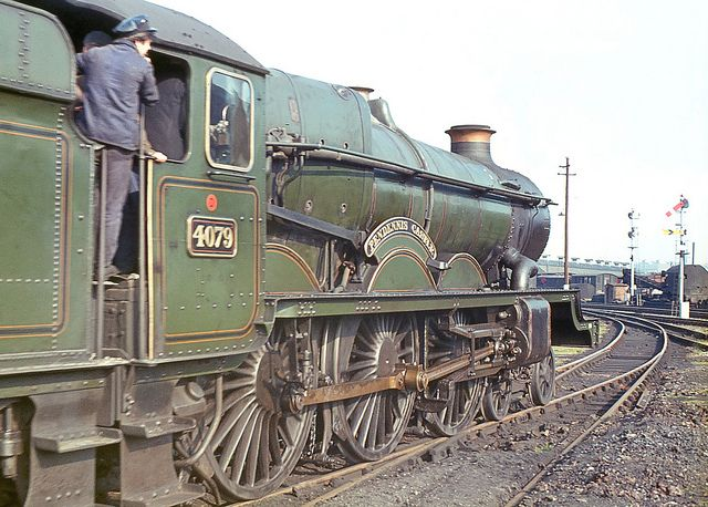 'Castle' class no.4079 'Pendennis Castle' moving off Swindon shed. 26 April 1964