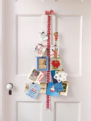 Card Tree @ http://www.countryliving.com/homes/holiday-decorating-1208#fbIndex44