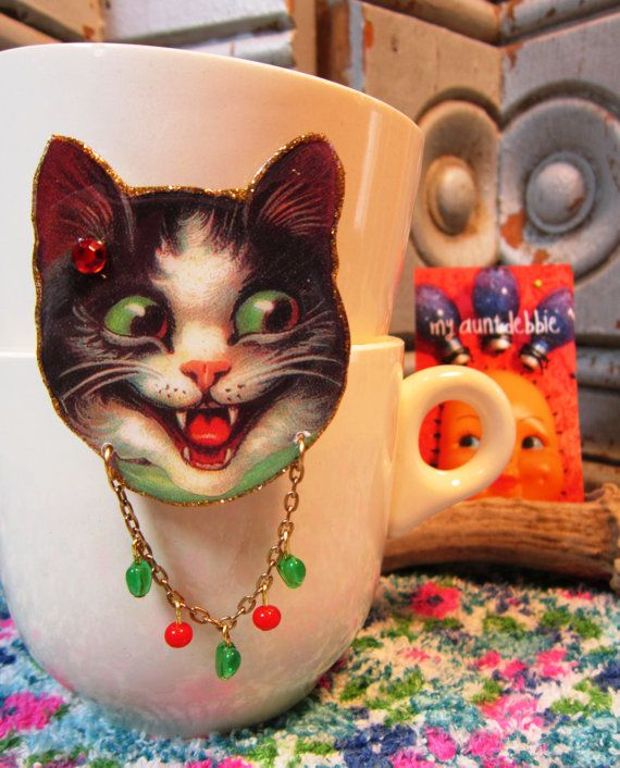 Crazy Cat Brooch by ilovemyauntdebbie on Etsy, $21.00