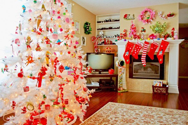 how fun!: White Christmas Trees, Christmas Time, Christmas Decorations, Decorating Ideas, Living Room, Holidays, White Trees, Christmas Ideas