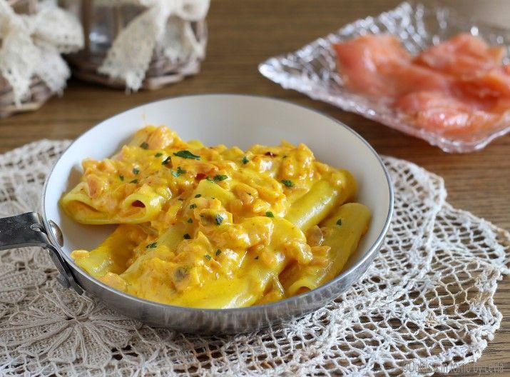 Paccheri+al+salmone+cremosi+con+zafferano