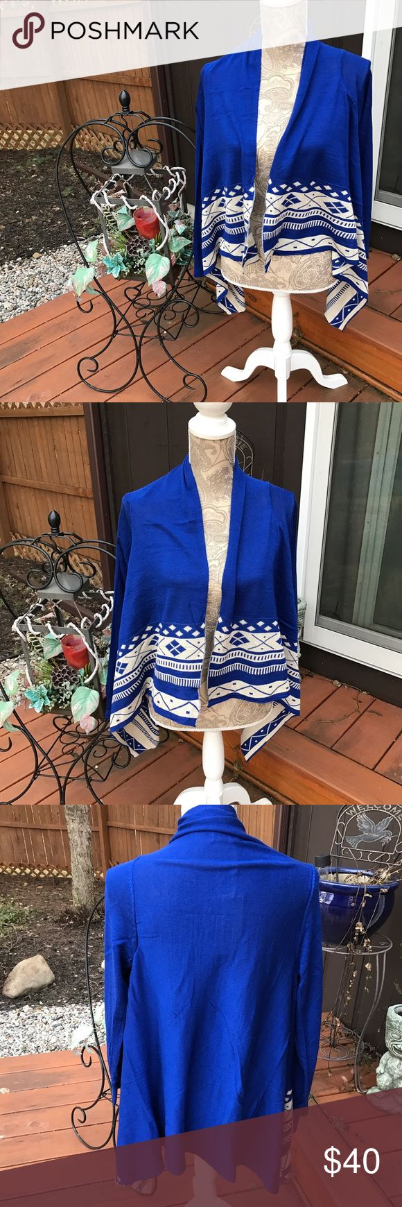 NWT ROYAL BLUE & OFF WHITE OPEN CARDIGAN SIZE SML NEW BEAUTIFUL OPEN FRONT DRAPED CARDIGAN ROYAL BLUE & OFF WHITE SIZE SMALL WITH PRETTY DESIGN Julia Fashion Sweaters Cardigans