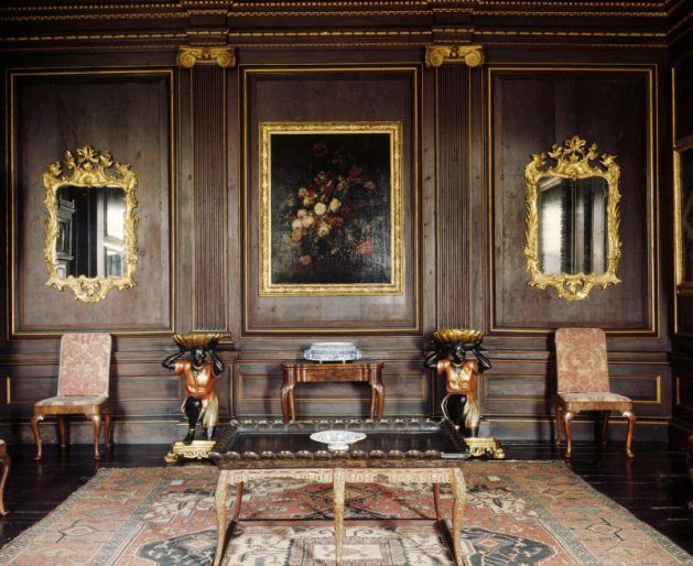 The Balcony Room at Dyrham Park, with the so-called Javanese lacquer table in…