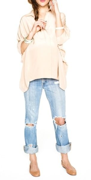 Casual perfection.: Shirts, Casual, Maternity Style, Tomboys Style, Boyfriends Jeans, Travel Outfit, Flats, Torn Jeans, Comfy