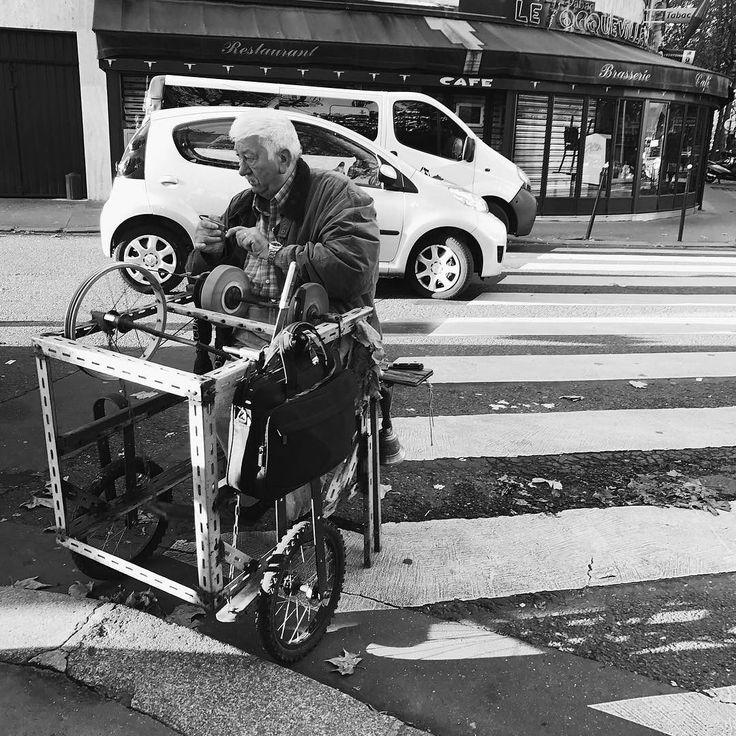 Coutelier        #Paris #vintage #igersparis #paname #street #streetphotography #streetphoto #photography #bw #noiretblanc #blackandwhite #noir #bw_streetphotography #iphone7 #iphoneography #parisjetaime #bnw #alwaysparis #weloveparis #bw_crew monoart  #bnw_captures #bnw_society #streetphotography_bw #monotone #monochrome #instadaily #instablackandwhite #insta_pick_bw #insta_bw #bw_photooftheday