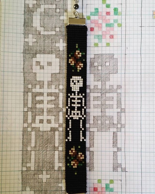 I've been designing and making some bracelets with my new bead loom #skeleton #roses #mementomori #dayofthedead #bracelet #jewelry #loom #bead #beads #beadwork #seedbeads #goth #halloween #skull