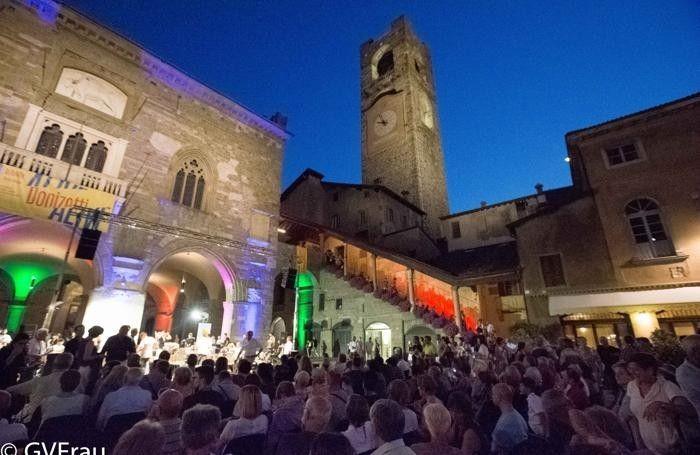 La piazza più bella d'Europa e non solo «Dieci buoni motivi per visitare Bergamo»